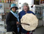 Минсалим в сувенирном салоне с Филоменой  - уроженкой Шри-Ланка