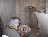 Минсалим работает в подвале мастерской